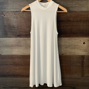 Love Tree White Mock Neck Sleeveless Dress Size M
